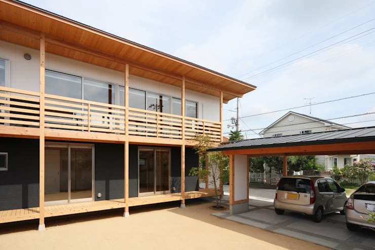 Houses by 三宅和彦/ミヤケ設計事務所, Country Solid Wood Multicolored