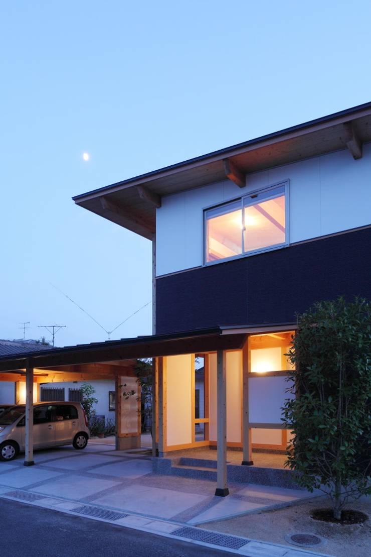 Houses by 三宅和彦/ミヤケ設計事務所, Minimalist Wood Wood effect