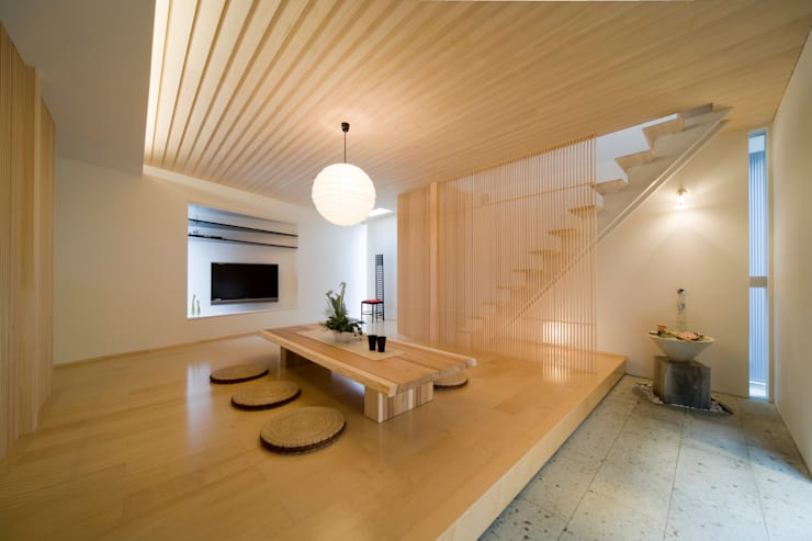 一級建築士事務所 株式会社KADeL:  tarz Oturma Odası