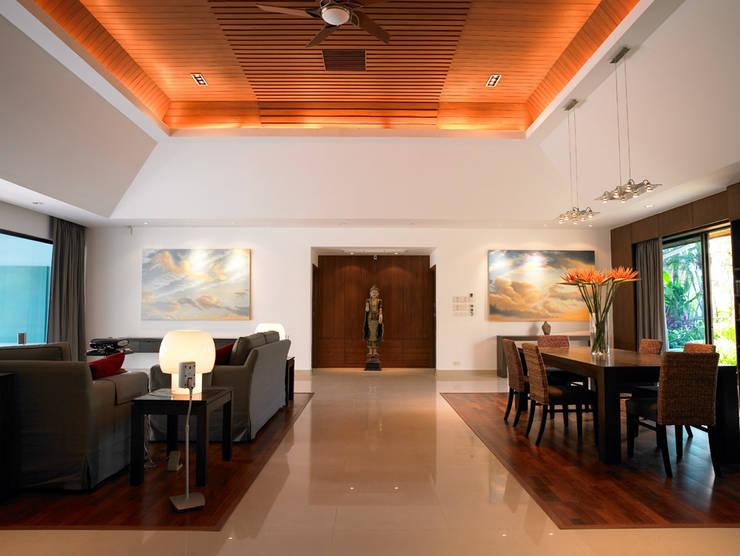 Casa Particular: Salones de estilo  de Bondian Living