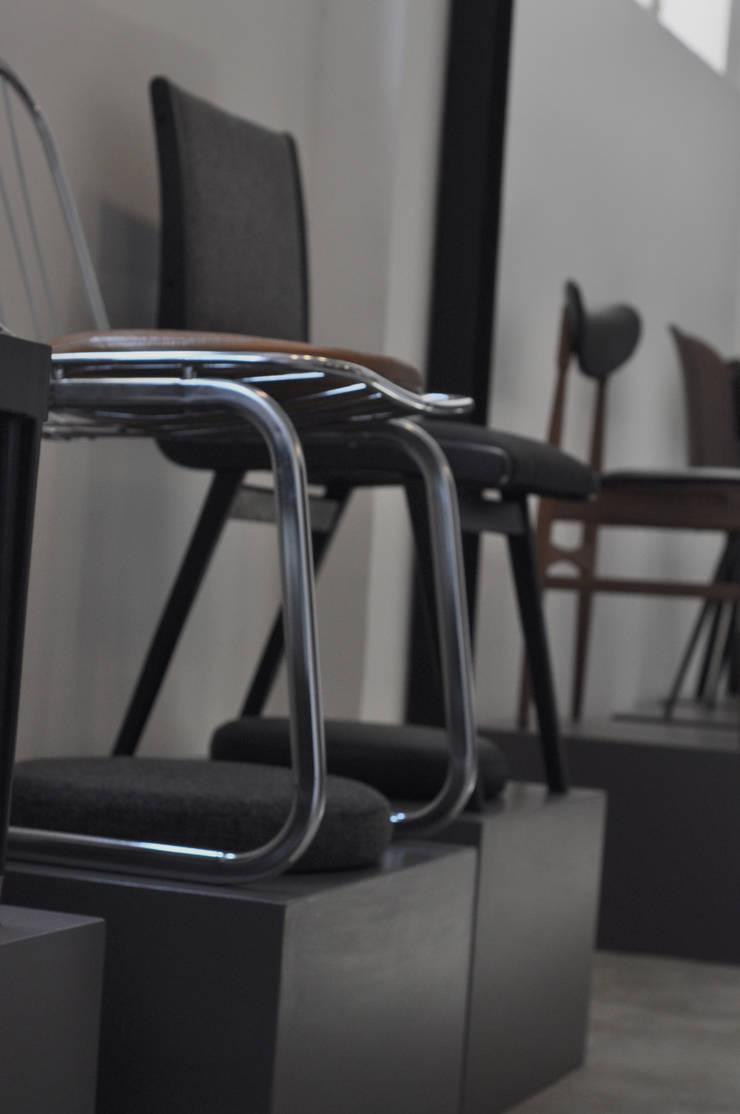 STUDIO 900 DESIGN – Vintage Chairs from Nordeurope and Italy.:  tarz Ofisler ve Mağazalar