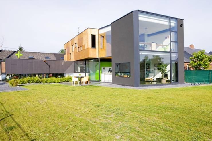 Boîtes à médocs !: Maisons de style de style Moderne par VORTEX atelier d'architecture