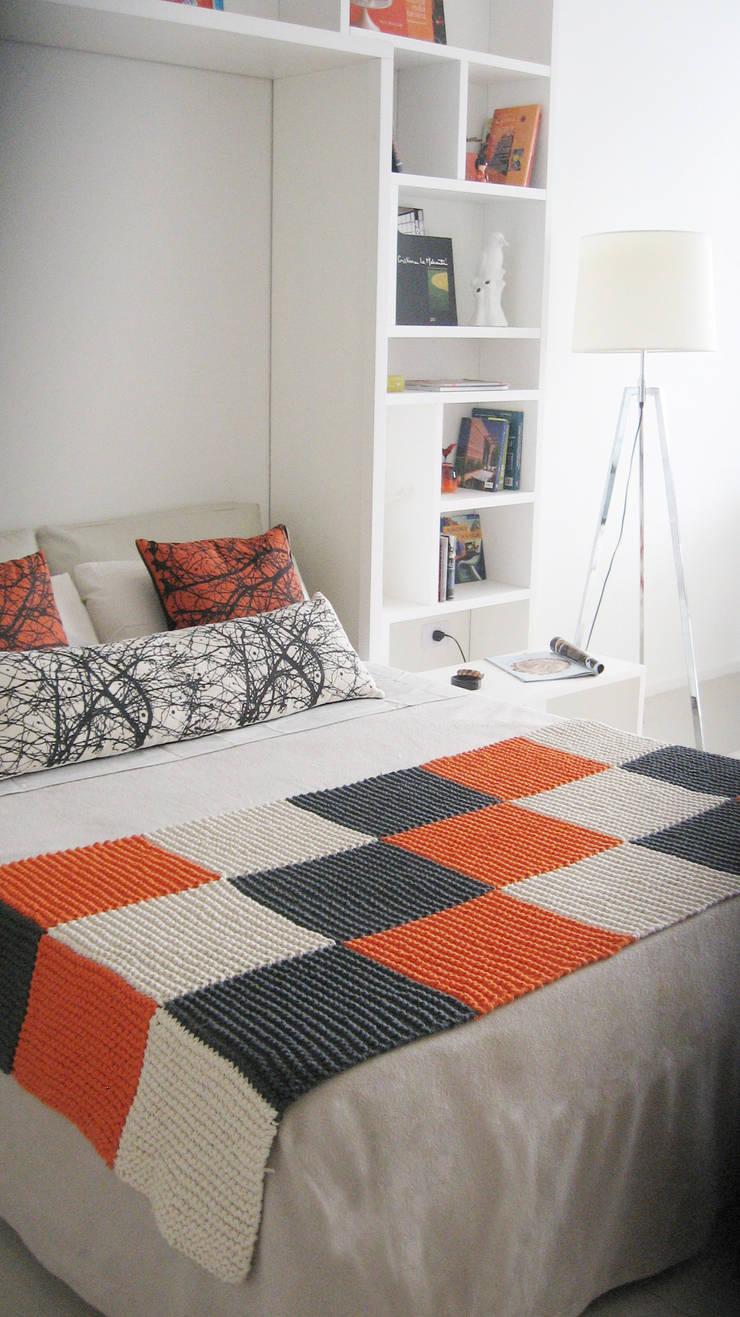 Cama rebatible: Dormitorios de estilo  por MINBAI