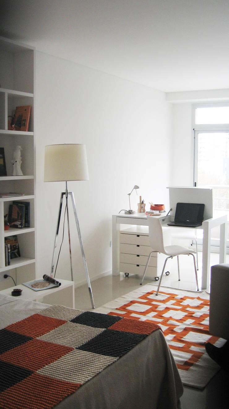 Home Office: Estudio de estilo  por MINBAI