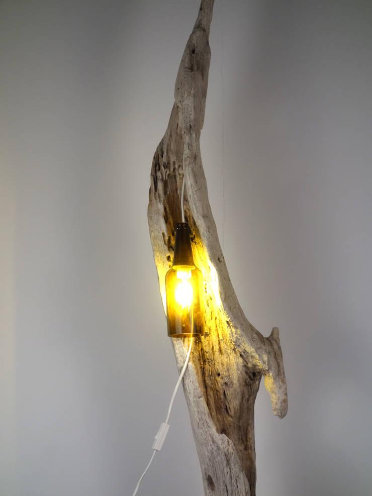 Stehlampe aus Treibholz von Meister Lampe | homify