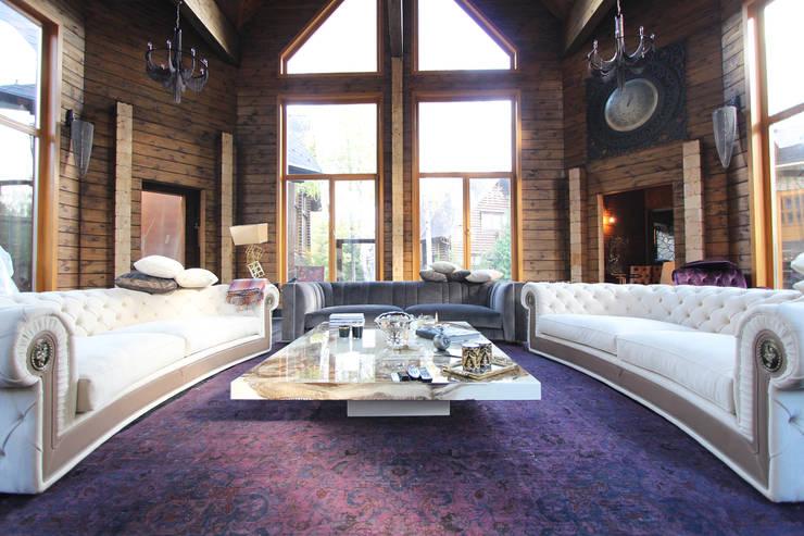 Log House 根據 Orkun İndere Interiors 田園風 實木 Multicolored