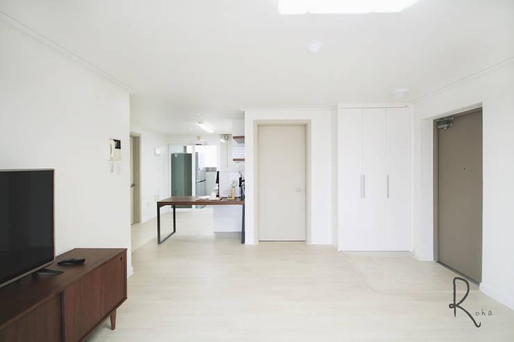 거실: 로하디자인의  거실,컨트리