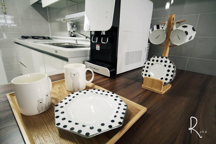 기본에 충실한 24평 신혼집 인테리어: 로하디자인의 스칸디나비아 사람 ,북유럽