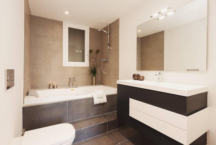 Projekty,  Łazienka zaprojektowane przez Markham Stagers