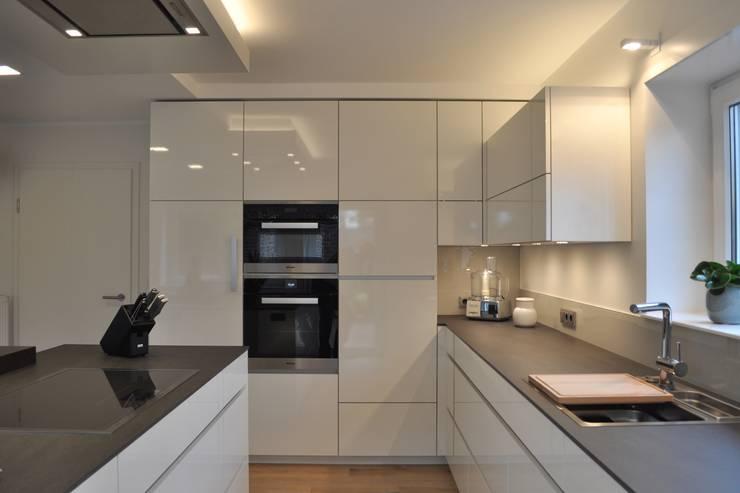 Elegantes Weiß in modernen Küchen: 6 Ideen