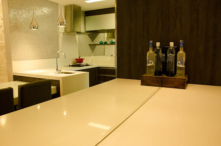 Dining Room - G+B Apartment:  Dining room by GhiorziTavares Arquitetura