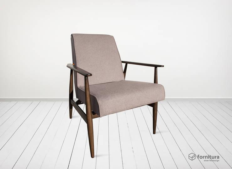 Fotel Wrzosowy: styl , w kategorii  zaprojektowany przez Fornitura,Klasyczny