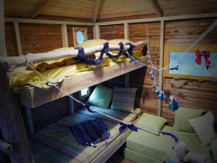 Une cabane a Aix en Provence: Chambre d'enfant de style  par Cabaneo
