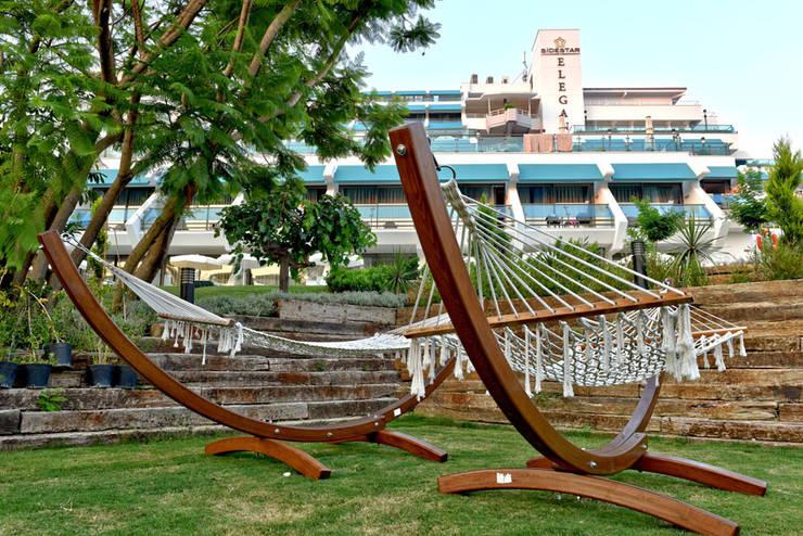 Nota Tasarım Peyzaj Mimarlığı Ofisi – Relax Havuz Alanı:  tarz Bahçe