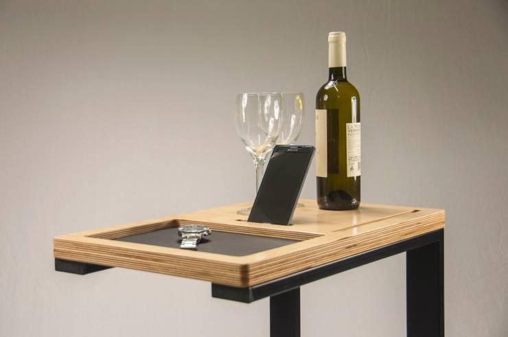 Tavolo multifunzionale: Soggiorno in stile  di ARTURDESIGN