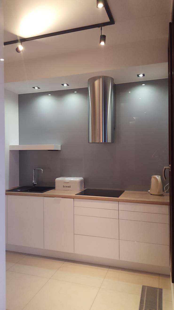 Mieszkanie 50 m2 na warszawskiej ochocie: styl , w kategorii Kuchnia zaprojektowany przez project art