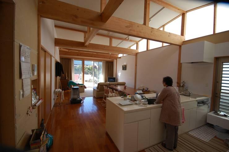 キッチン: 一級建築士事務所有限会社石原建設が手掛けたキッチンです。,