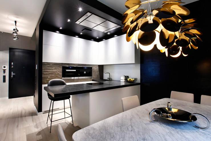 Kuchnia: styl , w kategorii Kuchnia zaprojektowany przez FLOW Franiak&Caturowa