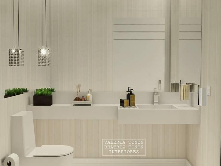 Lavabo: Banheiros clássicos por Spazzio Design