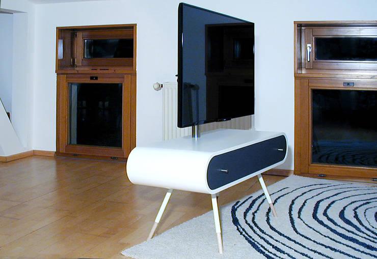 TV1: modern  von Reinhard Rotthaus,Modern Holzwerkstoff Transparent