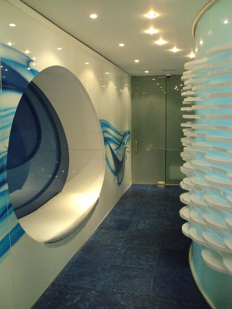 SPA- muro focal: Spa de estilo  por Mako laboratorio