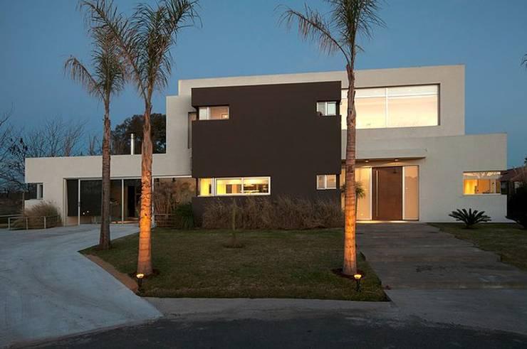 Casas de estilo  por Estudio PM