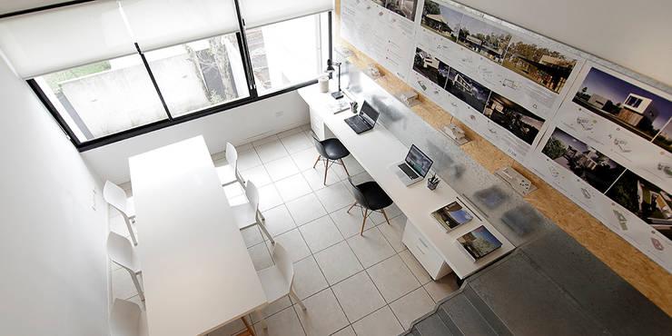 Oficina BAM! arquitectura: Oficinas y Tiendas de estilo  por BAM! arquitectura