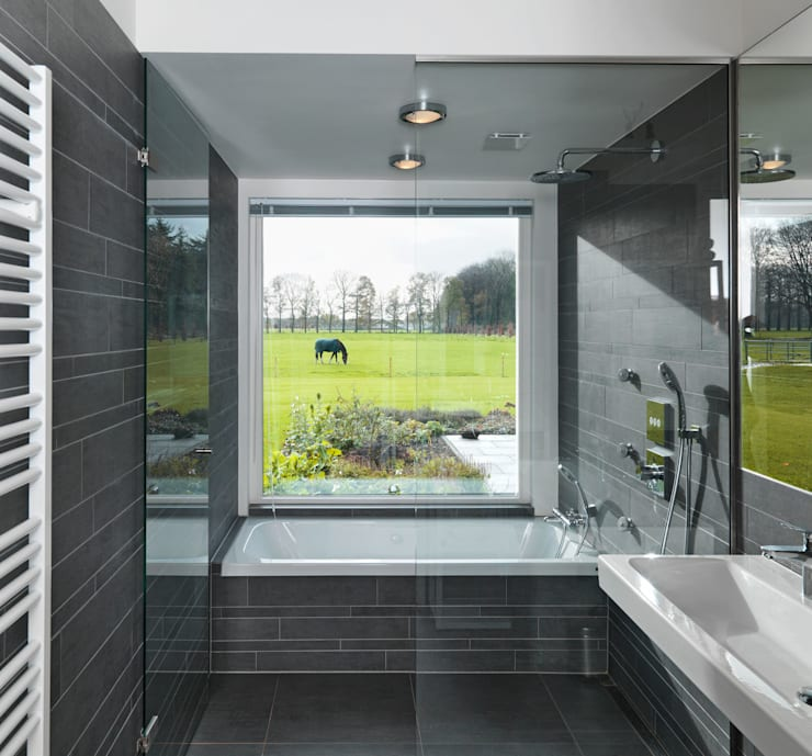 Bathroom by De Zwarte Hond