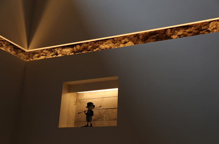 Ingresso & Corridoio in stile  di IEUNG Architect