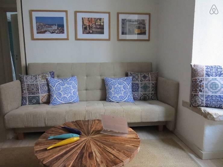 Soggiorno in stile in stile Rustico di Mariline Pereira - Interior Design Lda.