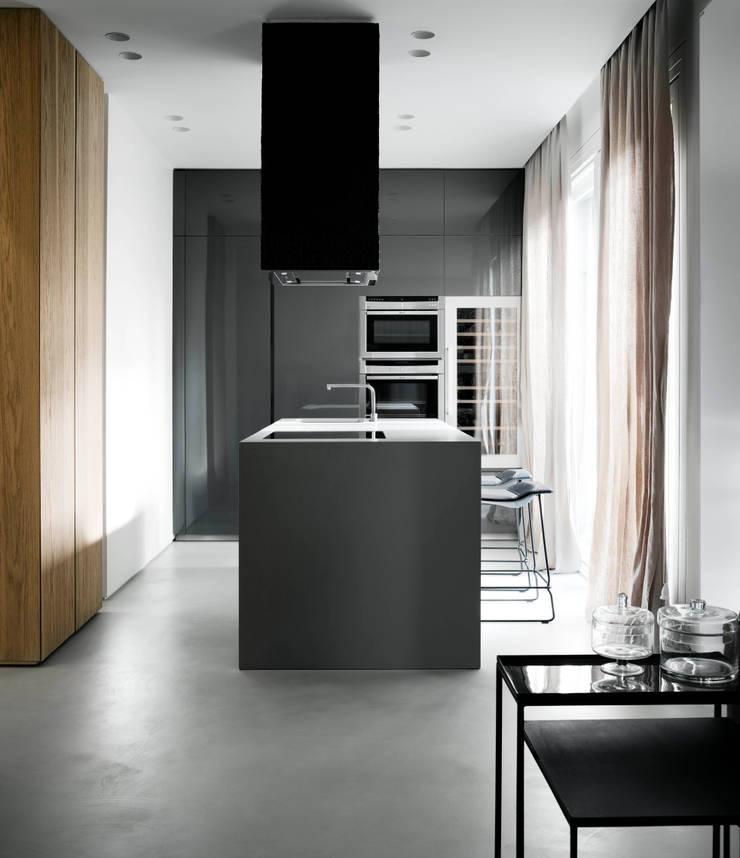 private apt in Milano: Cucina in stile  di StudioCR34