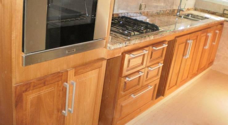 Kitchen by Muebles en melamina