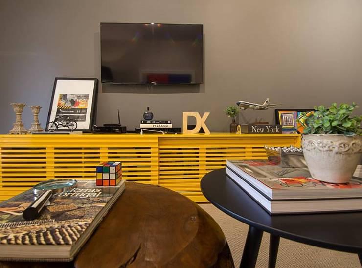 Apartamento Leblon: Salas de estar  por Duplex Interiores