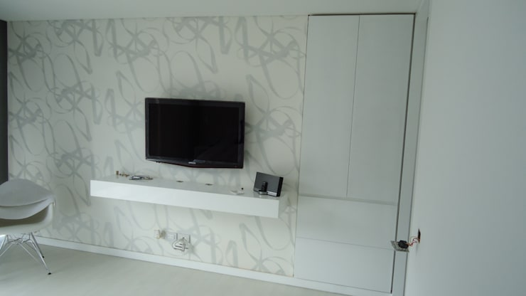 RESIDENCIA TAO GRANADOS - Mueble consola TV de Mako laboratorio Minimalista Madera Acabado en madera