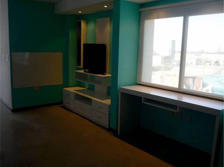 ESTUDIO: Estudios y oficinas de estilo  por ARETÉ ESTUDIO DISEÑO INTERIOR +SHOWROOM