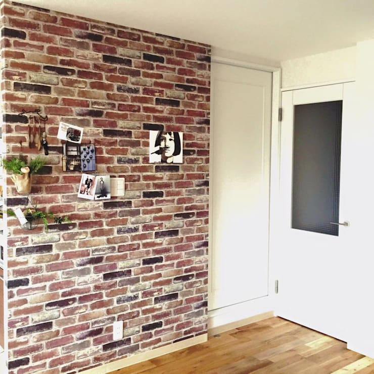 Country style walls & floors by 高嶋設計事務所/恵星建設株式会社 Country