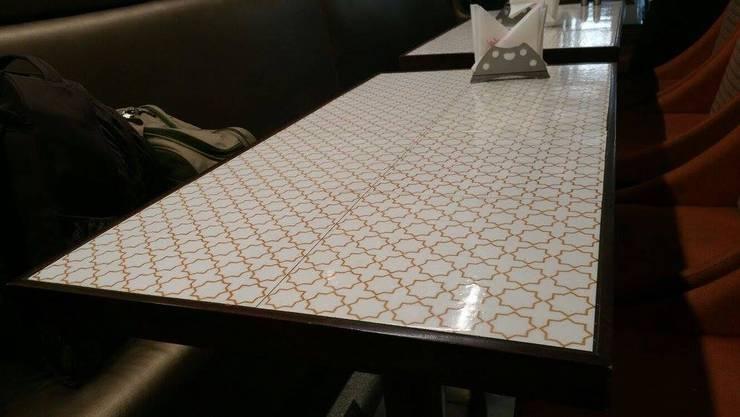 TABLE:  Study/office by Alaya D'decor