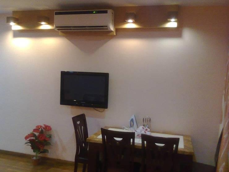 STUDIO APARTMENT IN NAVI MUMBAI: modern Study/office by Alaya D'decor
