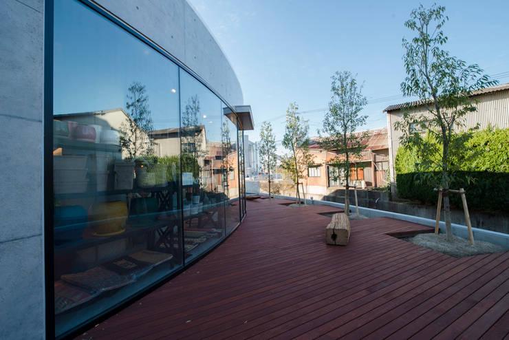 YUMITORU IMPORT : 株式会社深田建築デザイン研究所が手掛けたオフィスビルです。
