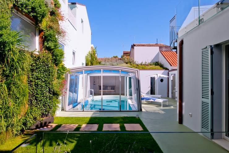 Giardino: Giardino in stile  di Studio Olmeda Arch. Marco Amedeo