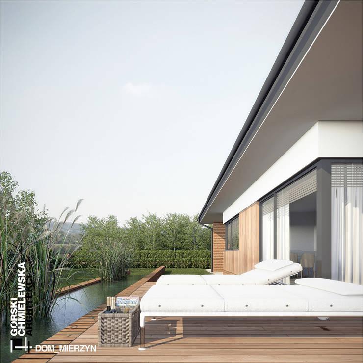 DOM MIERZYN: styl , w kategorii Domy zaprojektowany przez GÓRSKI CHMIELEWSKA ARCHITEKCI,Nowoczesny