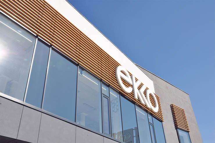 PRZEBUDOWA HALI EKKO: styl , w kategorii Przestrzenie biurowe i magazynowe zaprojektowany przez GÓRSKI CHMIELEWSKA ARCHITEKCI