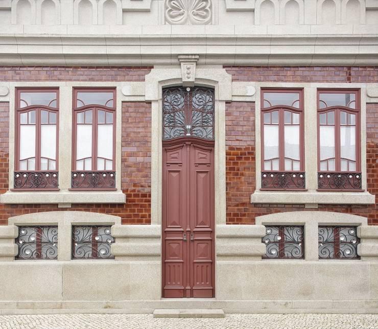 Recuperação de casa em Ovar: Casas  por Nelson Resende, Arquitecto