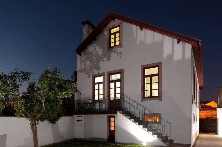 Recuperação de casa em Ovar: Casas modernas por Nelson Resende, Arquitecto