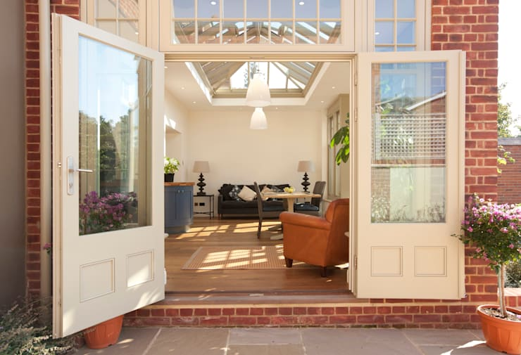 French doors:  Conservatory by Westbury Garden Rooms