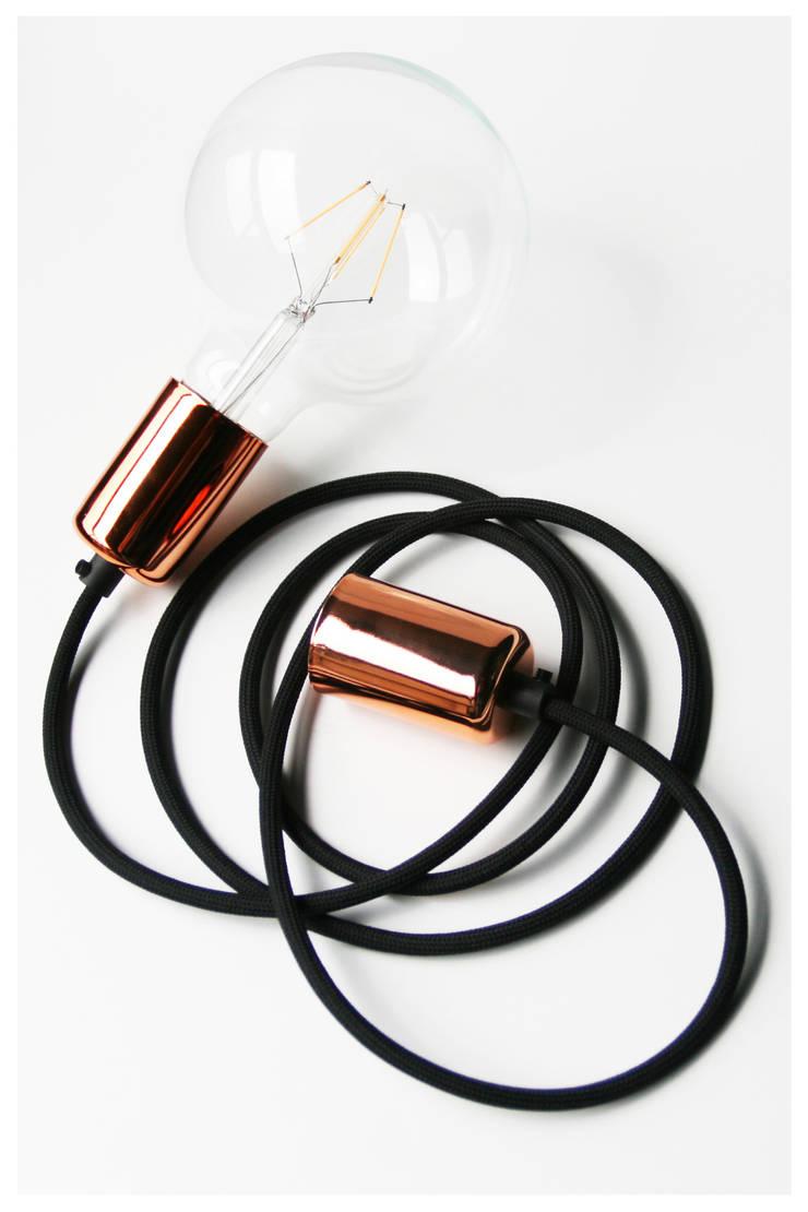 CableONE miedziana: styl , w kategorii Salon zaprojektowany przez CablePower