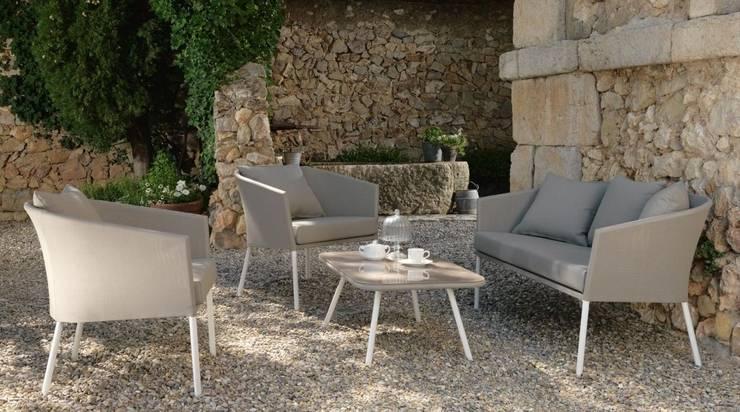 Jardines de estilo  por La Tartaruga di Anselmi Ing. Danilo