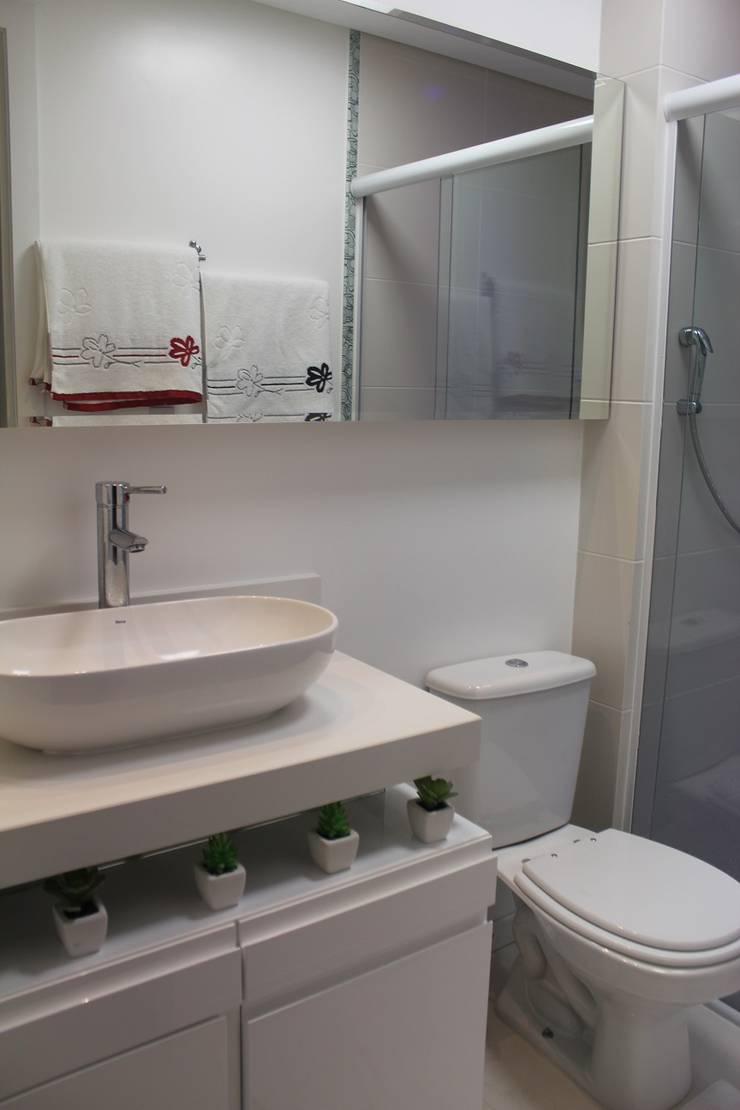 Apartamento em Balneário Camboriú – SC – Brasil: Banheiros  por Modulo2 Arquitetos Associados.,Moderno Quartzo