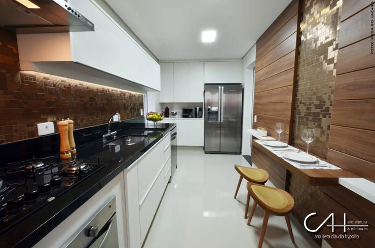 Cozinha: Cozinhas  por Cláudia Hypolito Arquitetura & Interiores