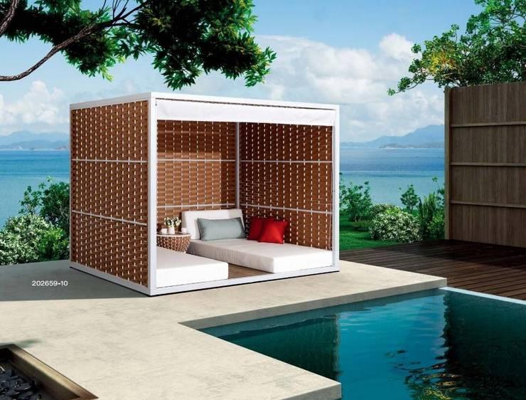 Balcones, porches y terrazas de estilo  por La Tartaruga di Anselmi Ing. Danilo